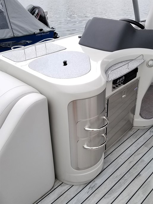 2017 Avalon boat for sale, model of the boat is 2785 For Sale - Brokerage & Image # 2 of 11