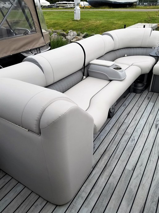 2017 Avalon boat for sale, model of the boat is 2785 For Sale - Brokerage & Image # 8 of 11