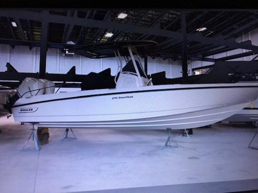 2019 Boston Whaler boat for sale, model of the boat is Dauntless 270 & Image # 2 of 3