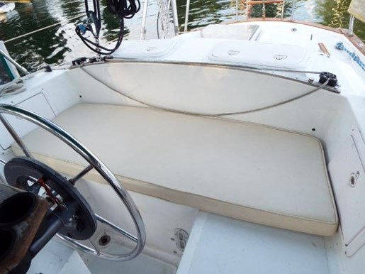 1976 Irwin boat for sale, model of the boat is MK IV Centre Cockpit & Image # 5 of 23