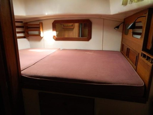 1976 Irwin boat for sale, model of the boat is MK IV Centre Cockpit & Image # 9 of 23