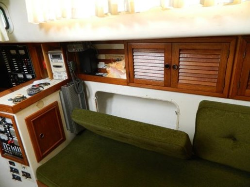 1976 Irwin boat for sale, model of the boat is MK IV Centre Cockpit & Image # 12 of 23