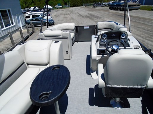2019 Sylvan boat for sale, model of the boat is 8522 Mirage DLZ Bar LES - For Sale - SYLP097 & Image # 2 of 11