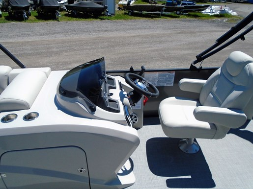 2019 Sylvan boat for sale, model of the boat is 8522 Mirage DLZ Bar LES - For Sale - SYLP097 & Image # 4 of 11