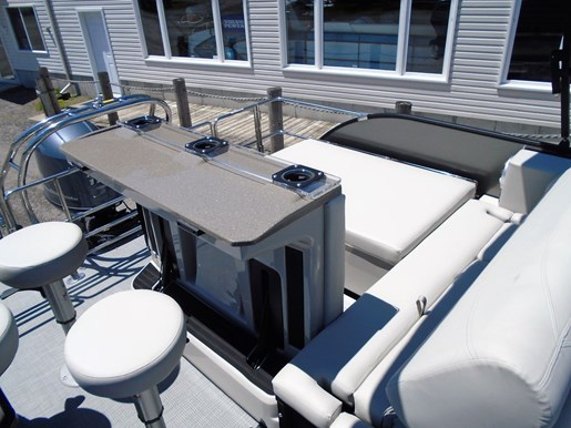 2019 Sylvan boat for sale, model of the boat is 8522 Mirage DLZ Bar LES - For Sale - SYLP097 & Image # 8 of 11
