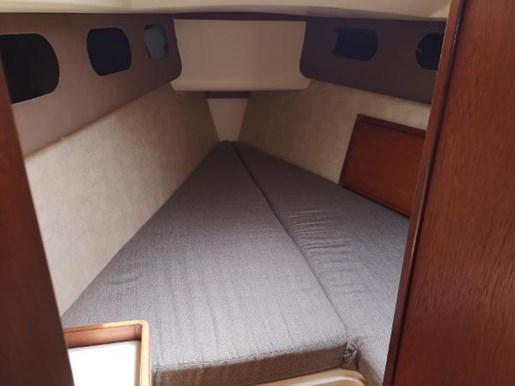 1986 CS Yachts boat for sale, model of the boat is 30 & Image # 3 of 4