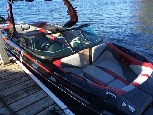 2016 Centurion boat for sale, model of the boat is FS33 & Image # 2 of 5