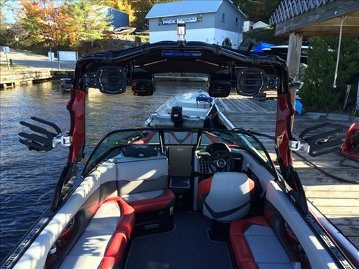2016 Centurion boat for sale, model of the boat is FS33 & Image # 3 of 5