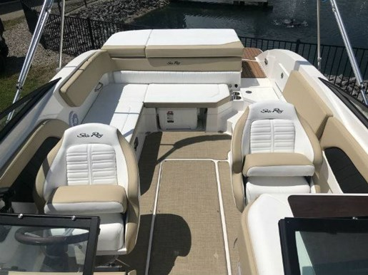 2018 Sea Ray boat for sale, model of the boat is 230 SPX & Image # 5 of 5