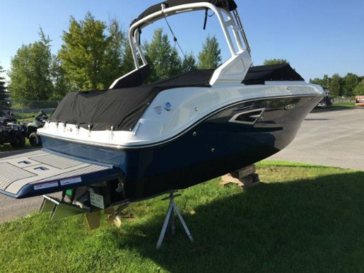 For Sale: 2018 Sea Ray Slx-w 230 23ft<br/>Pride Marine - Ottawa