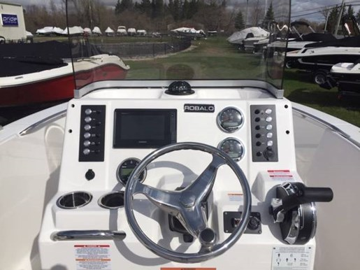 2019 Robalo boat for sale, model of the boat is R180 & Image # 3 of 7