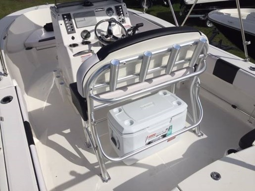 2019 Robalo boat for sale, model of the boat is R180 & Image # 5 of 7