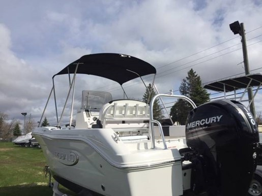 2019 Robalo boat for sale, model of the boat is R180 & Image # 6 of 7