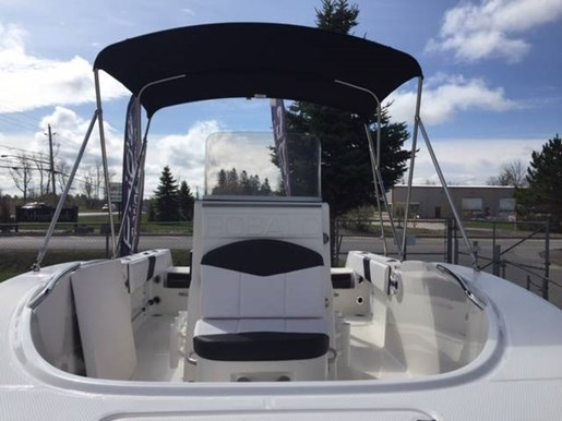 2019 Robalo boat for sale, model of the boat is R180 & Image # 7 of 7