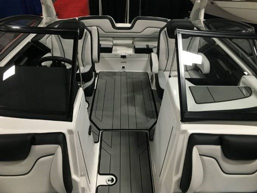 2019 Yamaha boat for sale, model of the boat is 212X & Image # 4 of 7