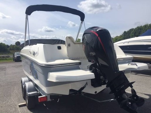 2017 Bayliner boat for sale, model of the boat is ELEMENT E21 & Image # 4 of 4