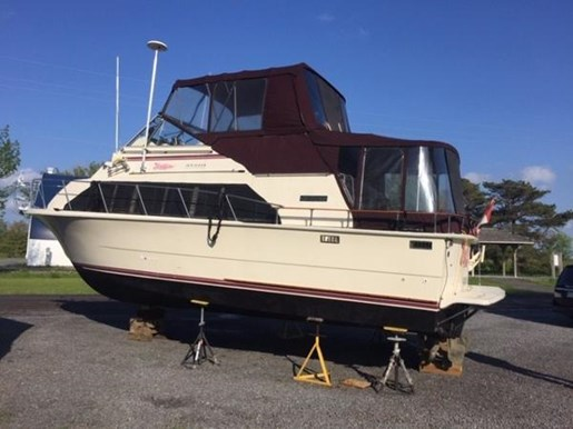 1979 CARVER MARINER 3396 for sale
