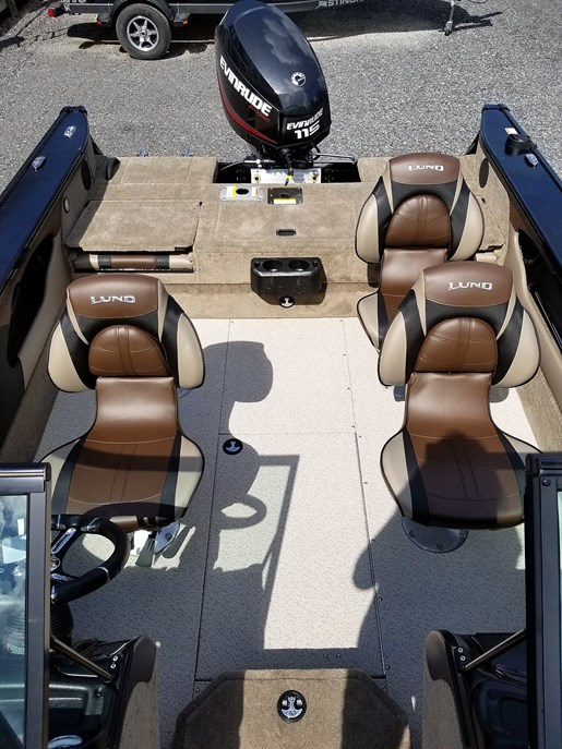 2020 Lund boat for sale, model of the boat is 1775 Crossover XS - For Sale - LF820 & Image # 6 of 9