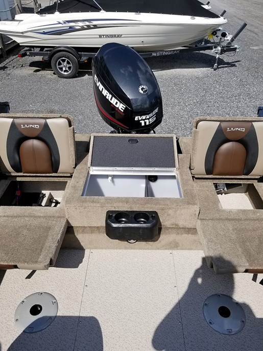 2020 Lund boat for sale, model of the boat is 1775 Crossover XS - For Sale - LF820 & Image # 8 of 9