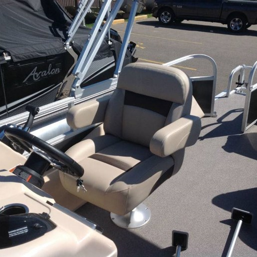 2018 Tracker Boats boat for sale, model of the boat is SPORTFISH 22 & Image # 3 of 5
