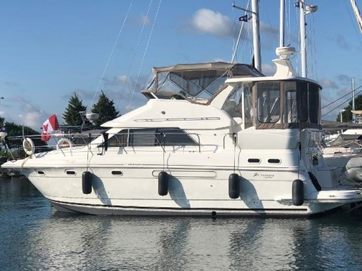 2002 CRUISERS YACHTS 3750 MOTORYACHT for sale
