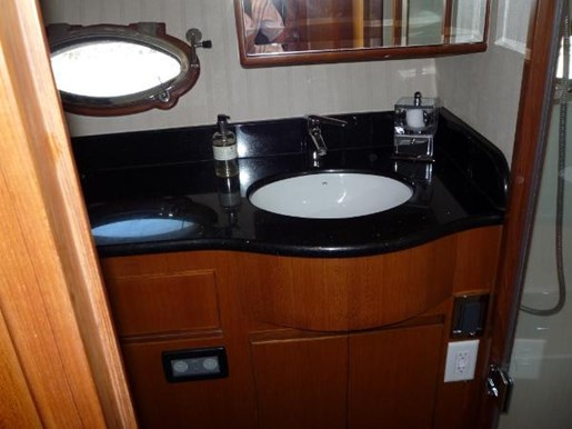 2006 Ocean Alexander boat for sale, model of the boat is 45 Sedan & Image # 13 of 26