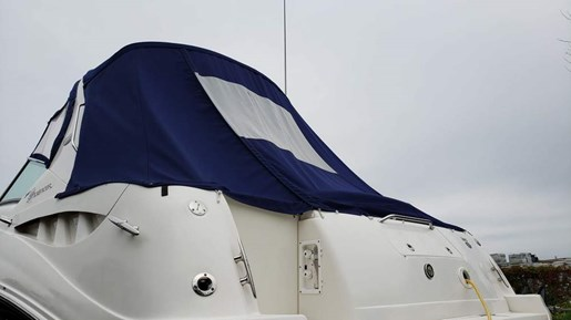 2006 Sea Ray boat for sale, model of the boat is 320 Sundancer & Image # 3 of 17