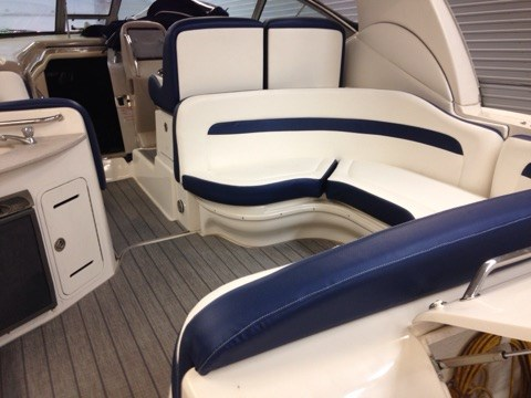 2006 Sea Ray boat for sale, model of the boat is 320 Sundancer & Image # 7 of 8