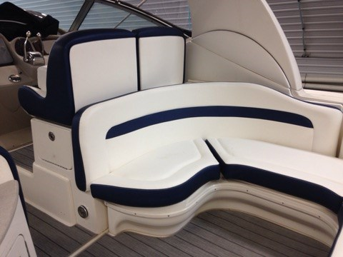 2006 Sea Ray boat for sale, model of the boat is 320 Sundancer & Image # 6 of 17