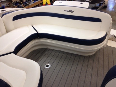 2006 Sea Ray boat for sale, model of the boat is 320 Sundancer & Image # 8 of 8