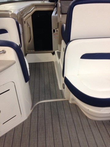 2006 Sea Ray boat for sale, model of the boat is 320 Sundancer & Image # 5 of 17