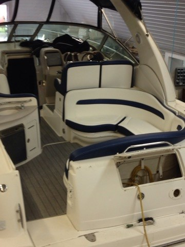 2006 Sea Ray boat for sale, model of the boat is 320 Sundancer & Image # 6 of 8