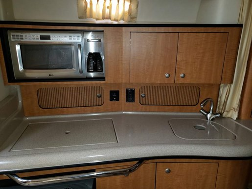 2006 Sea Ray boat for sale, model of the boat is 320 Sundancer & Image # 14 of 17