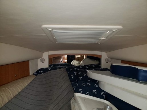 2006 Sea Ray boat for sale, model of the boat is 320 Sundancer & Image # 11 of 17