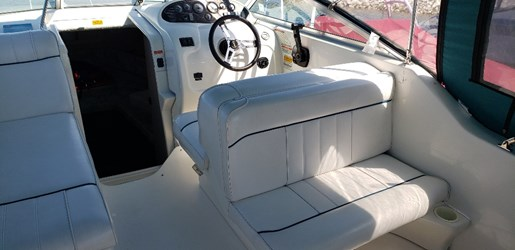 1996 Sea Ray boat for sale, model of the boat is 240 Sundancer & Image # 5 of 9