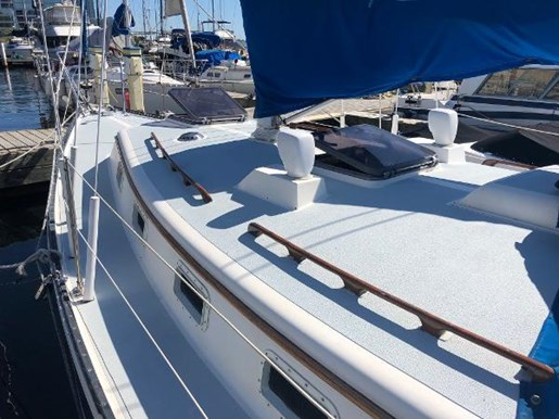 1982 Aloha Yachts boat for sale, model of the boat is 10.4 & Image # 2 of 9