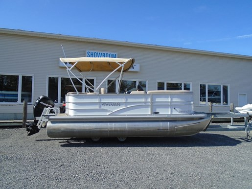 For Sale: 2015 Sylvan Mirage 818 Crs Re Pontoon - For Sale Brokerage 18ft<br/>Pirate Cove Marina