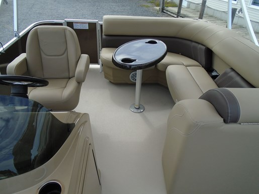2020 Sylvan boat for sale, model of the boat is Mirage 818 Cruise – For Sale – SYLP099 & Image # 4 of 7