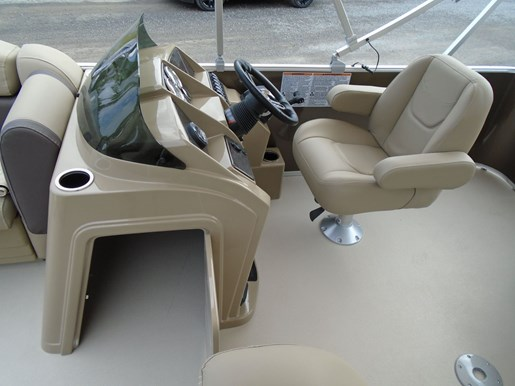 2020 Sylvan boat for sale, model of the boat is Mirage 818 Cruise – For Sale – SYLP099 & Image # 6 of 7