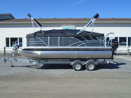 2020 Sylvan boat for sale, model of the boat is Mirage 8520 Cruise TriToon – For Sale – SYLP106 & Image # 6 of 6
