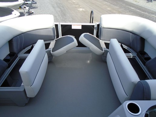 2020 Sylvan boat for sale, model of the boat is Mirage 8520 Cruise & Fish – For Sale – SYLP100 & Image # 3 of 9