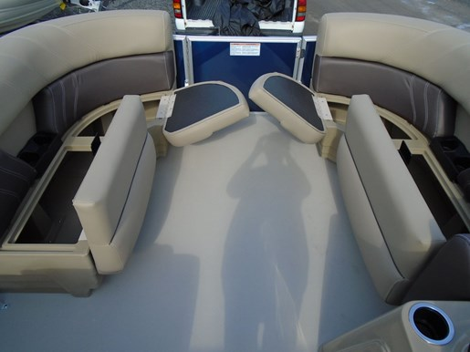 2020 Sylvan boat for sale, model of the boat is Mirage 8520 Cruise & Fish – For Sale – SYLP102 & Image # 3 of 10