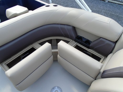 2020 Sylvan boat for sale, model of the boat is Mirage 8520 Cruise & Fish – For Sale – SYLP102 & Image # 6 of 10