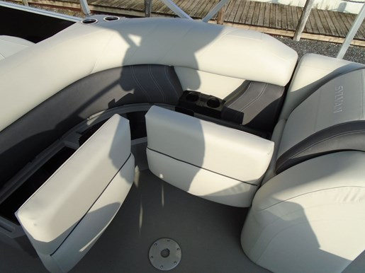2020 Sylvan boat for sale, model of the boat is Mirage 8520 Cruise & Fish – For Sale – SYLP103 & Image # 6 of 10