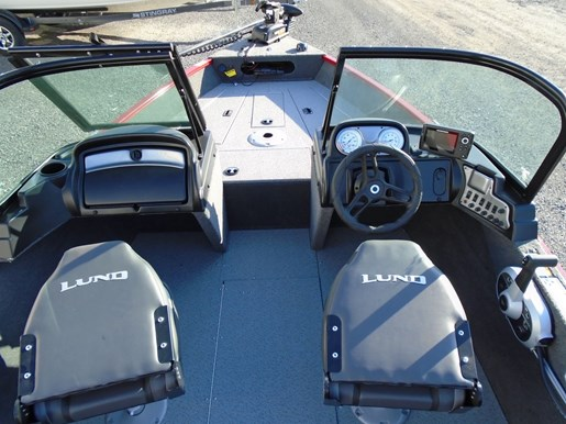 2020 Lund boat for sale, model of the boat is 1625 Fury XL Sport – For Sale – LF834 & Image # 2 of 7