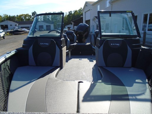 2020 Lund boat for sale, model of the boat is 1875 Impact XS – For Sale – LF818 & Image # 5 of 8
