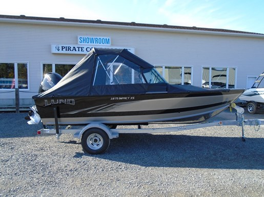 2020 Lund boat for sale, model of the boat is 1875 Impact XS – For Sale – LF818 & Image # 7 of 8