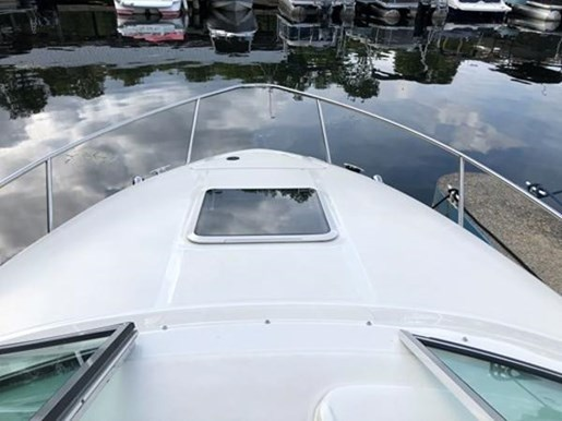 2001 Sea Ray boat for sale, model of the boat is 225 Weekender & Image # 2 of 9