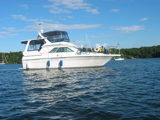 1991 Sea Ray boat for sale, model of the boat is 380 Aft MY & Image # 1 of 19