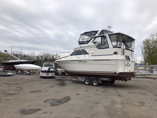 1991 Sea Ray boat for sale, model of the boat is 380 Aft MY & Image # 2 of 19